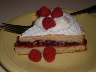 Lemon Cake filled with Raspberry Jam